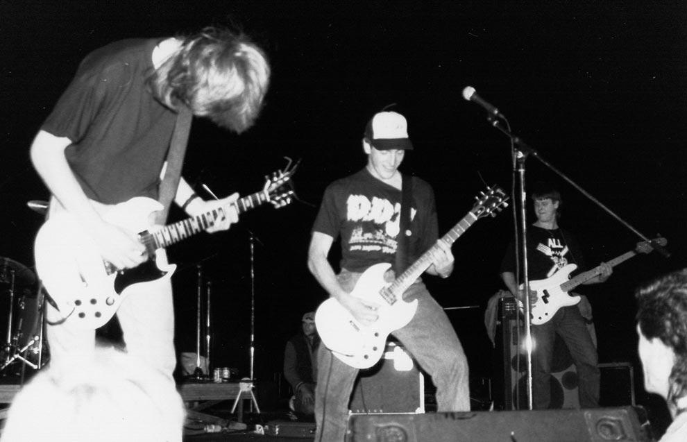 1990_06_23_BurningHeads_053