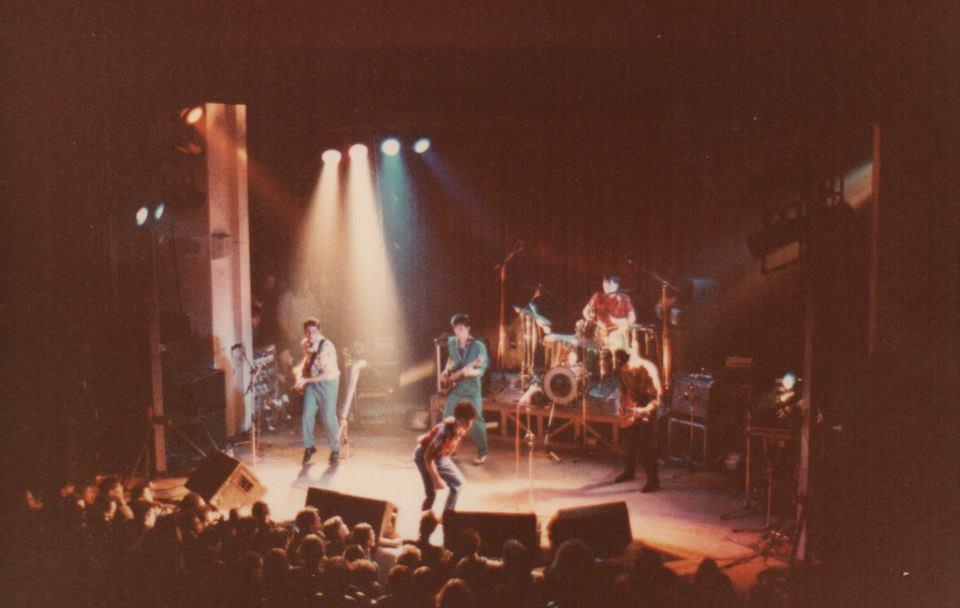 1981_StiffLittleFingers_Carmes